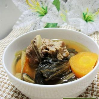 胡萝卜菜干猪骨汤