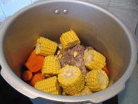 霸王花煲猪骨汤的做法步骤7