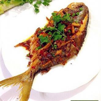 干煸金鲳鱼