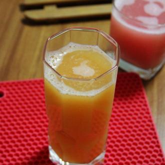 葡萄柚柳橙汁