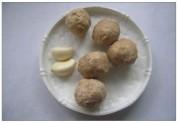 锅仔牛肉丸焖饭的做法步骤3