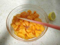 香草杏子果酱的做法步骤2