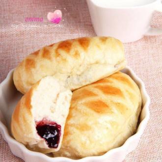 蓝莓酥香面包