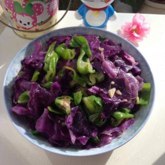 青椒炒紫椰菜