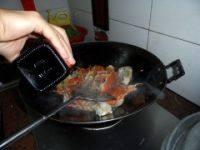 姜葱炒肉蟹的做法步骤8