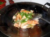 姜葱炒肉蟹的做法步骤10