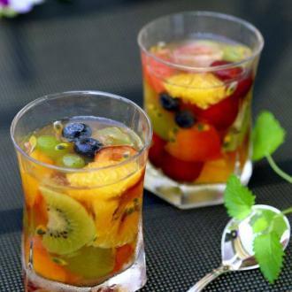 杂烩鲜果水晶杯