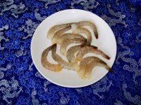 金汤凤尾虾的做法步骤3