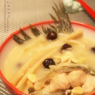 沙参玉竹红枣煲鱼尾