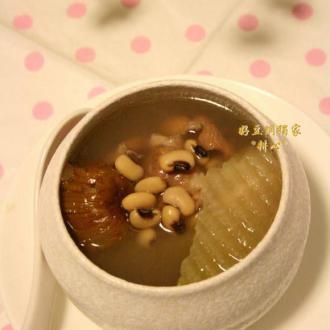 青萝卜眉豆排骨汤