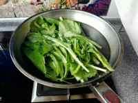 小白菜煎饺的做法步骤1