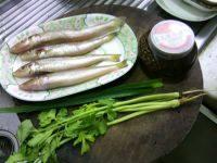 冬菜煮沙尖鱼的做法步骤1