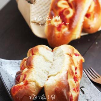 火腿沙拉酱面包