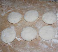 家常酱肉饼的做法步骤2