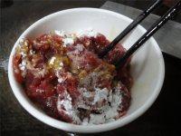 云南小瓜炒牛肉的做法步骤2