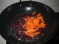 虾酱炒紫豆角的做法步骤4