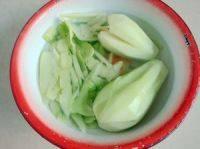 佛手瓜骨头汤的做法步骤4