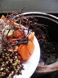 鸡骨草煲汤的做法步骤12