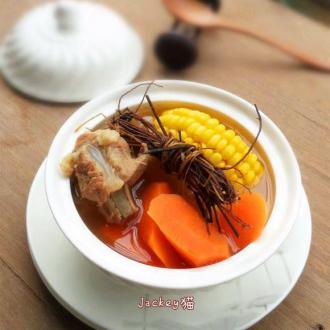 鸡骨草煲扇骨汤