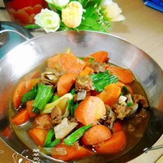 胡萝卜羊肉锅