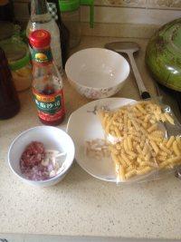 茄汁螺旋粉的做法步骤1
