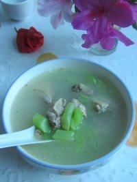 莴苣鸡汤的做法步骤5