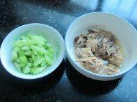 莴苣鸡汤的做法步骤1