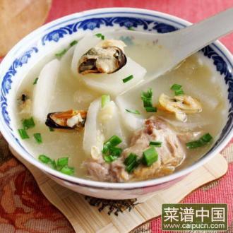 火腿骨海鲜白萝卜汤