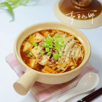 金针豆腐煲