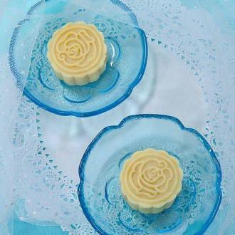 冰皮绿豆蓉月饼