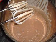 巧克力酸奶慕斯蛋糕的做法步骤5