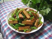 青椒豆腐干的做法步骤6