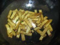 青椒豆腐干的做法步骤3