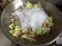 白菜肉片炖粉皮的做法步骤6