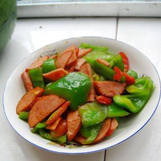 火腿炒菜椒