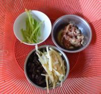 鱼香肉丝酱拌面的做法步骤2