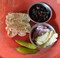 鱼香肉丝酱拌面的做法步骤1