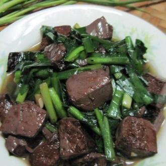 猪红炒韭菜