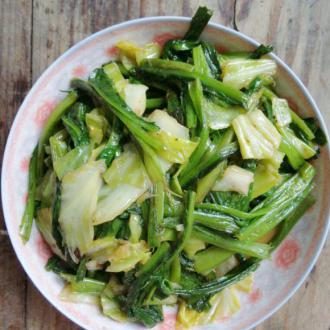 包菜炒油麦菜