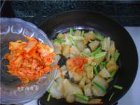 辣白菜炒牛筋的做法步骤6