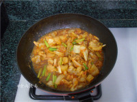 辣白菜炒牛筋的做法步骤7