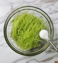 韩式糖醋莴笋的做法步骤4