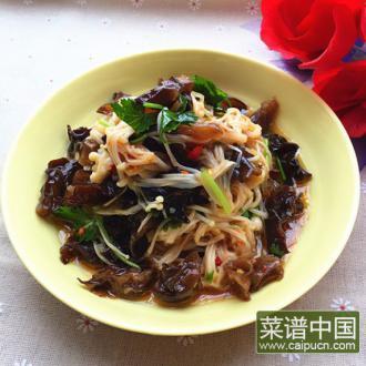 金针菇炝拌黑木耳