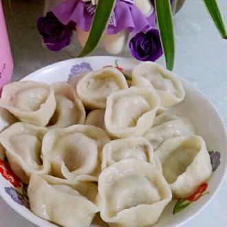 香菇猪肉馅元宝饺子