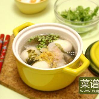 鱼丸鱼饺紫菜汤