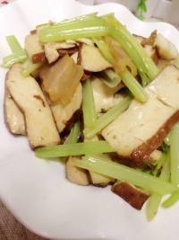 芹菜香干炒腊肉的做法步骤11