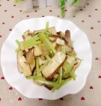 芹菜香干炒腊肉的做法步骤10