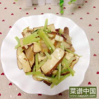 芹菜香干炒腊肉