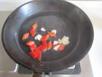 莴苣炒笋片的做法步骤3