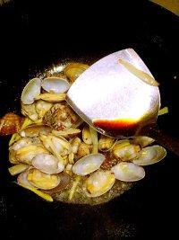 炒花蛤的做法步骤8
